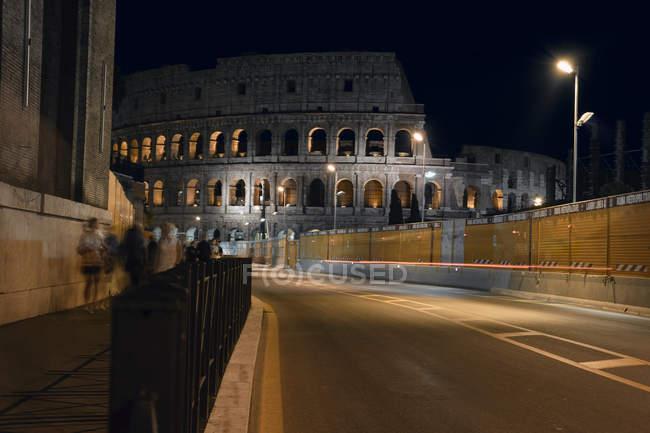 Italie, Rome, Colisée la nuit — Photo de stock
