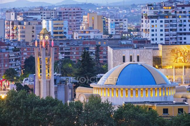 Albânia, Tirana, catedral da ressurreição, igreja ortodoxa albanesa — Fotografia de Stock