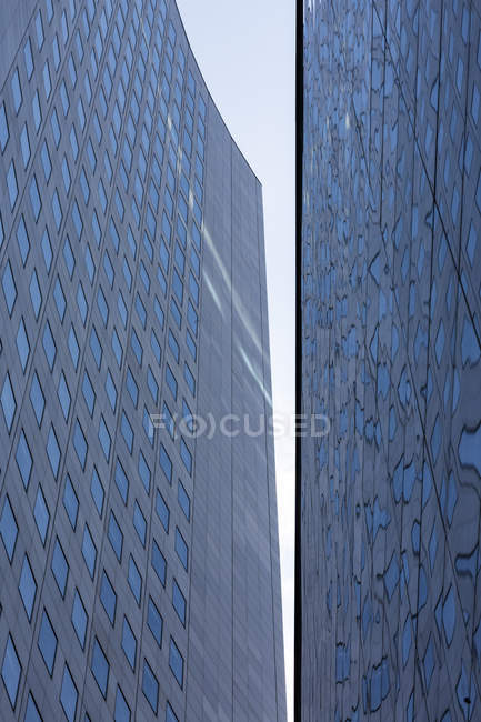 Germany, Leipzig, facade of City-Hochhaus and university building — Stock Photo
