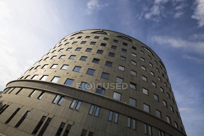 Polonia, Varsavia, facciata dell'emittente televisiva Telewizja Polska — Foto stock