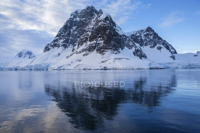 Antarctic, Antarctic Peninsula, glaciated mountains in Lemaire Channel — Foto stock