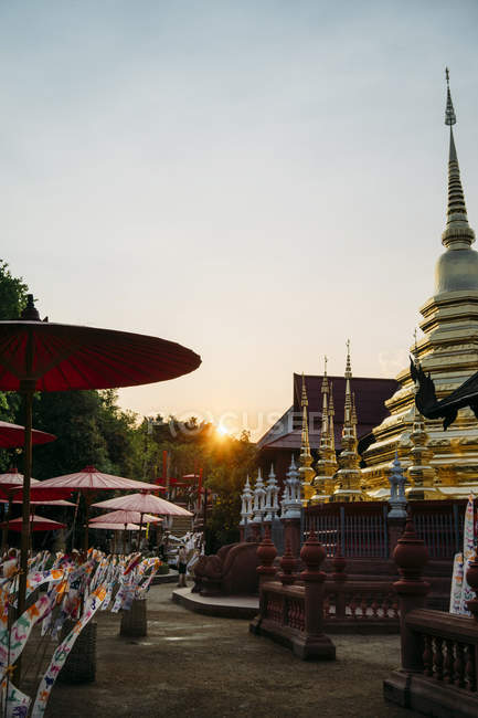 Thailand, Chiang Mai, Sunset with decorations to celebrate the New Year at the Wat Phan Tao Buddhist temple — Stock Photo