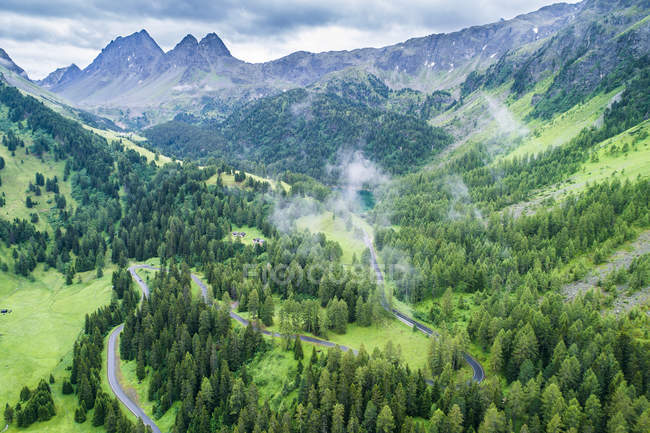 Svizzera, Cantone di Graubuenden, Veduta aerea del Passo di Albula — Foto stock