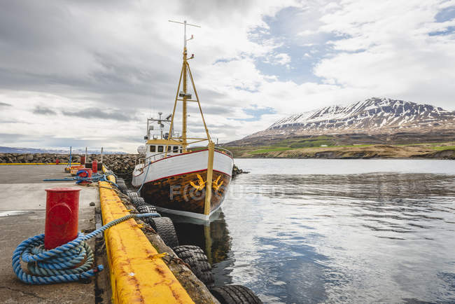 Iceland, Hauganes, Whale watching ship at harbour — Stock Photo
