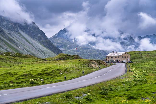 Switzerland, Graubuenden Canton, Albula Pass, hospice — Stock Photo