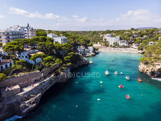 Spanien, Balearen, Mallorca, Luftaufnahme der Bucht Cala Santanyi, Strand — Stockfoto