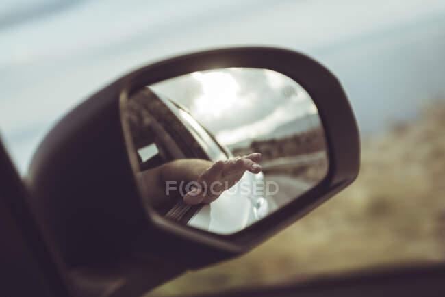Grecia, Creta, espejo retrovisor de un coche - foto de stock
