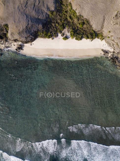 Indonésie, Lombok, Vue aérienne de la plage d'en haut — Photo de stock