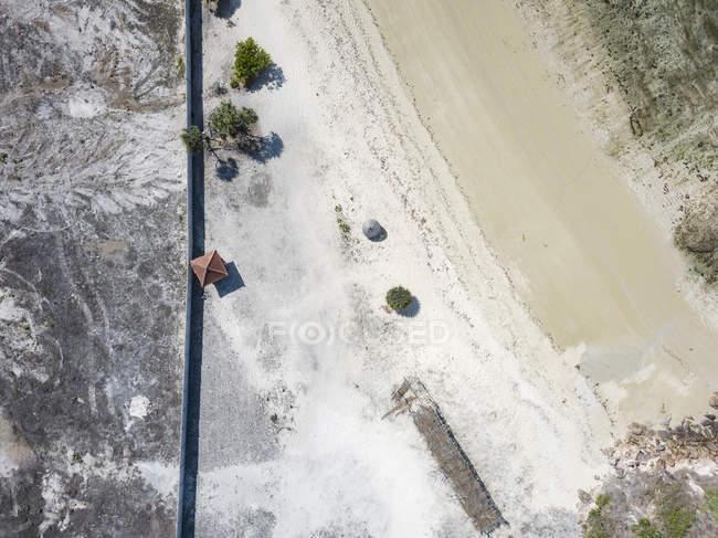 Indonésie, Vue aérienne de Lombok, plage vide d'en haut — Photo de stock