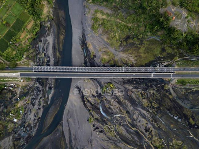 Индонезия, Бали, Вид с воздуха на мост — стоковое фото