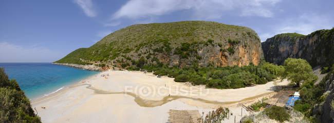 Albania, Ionean sea, Albanian Riviera, beach and canyon of Gjipe — Fotografia de Stock