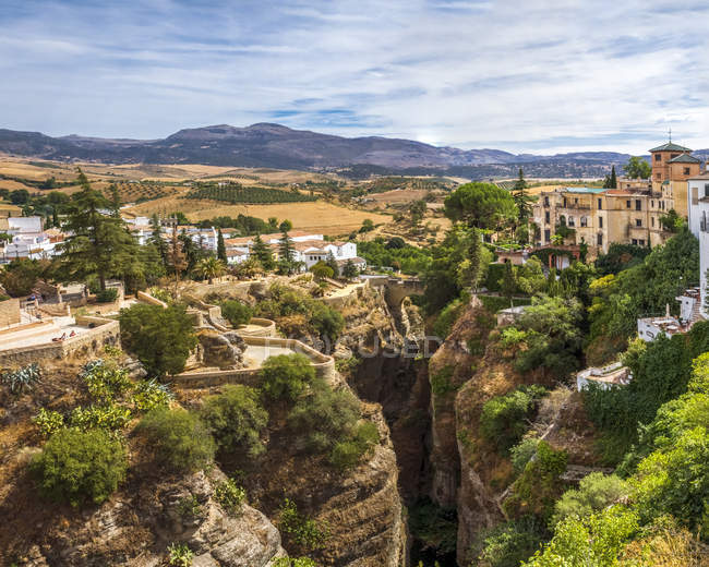 España, Provincia de Málaga, Ronda durante el día - foto de stock