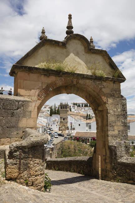 España, Andalucía, Ronda, puerta Felipe V Arco - foto de stock