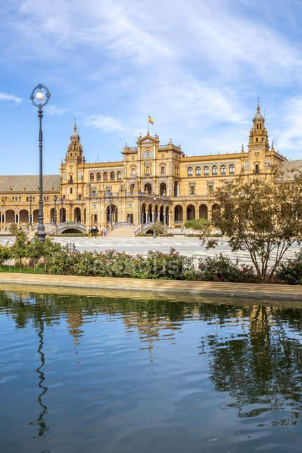 Іспанія, Андалусія, Севілья, Пласа-де-Еспана в денний час — стокове фото