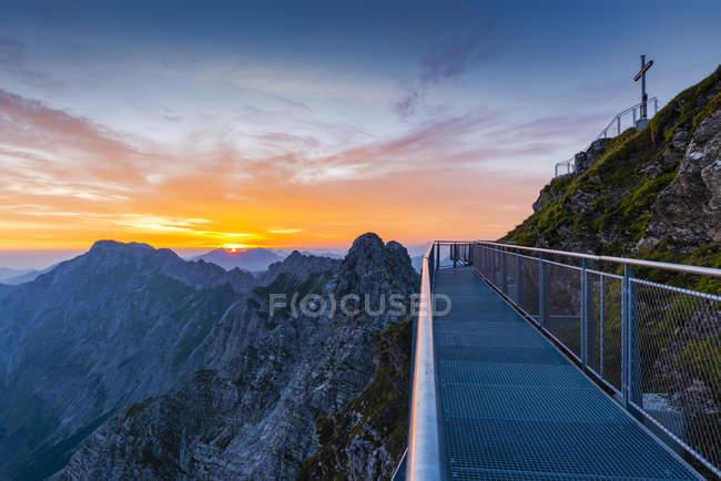 Germany, Bavaria, Allgaeu, Allgaeu Alps, Nebelhorn at sunrise — Fotografia de Stock