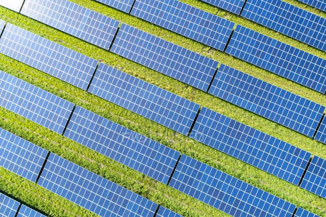 Luftaufnahme der Photovoltaikanlage — Stockfoto