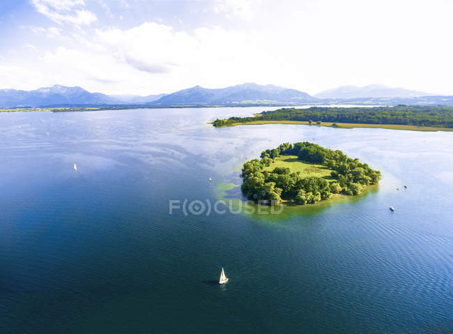 Germany, Bavaria, Chiemsee, Aerial view of Krautinsel island — Stock Photo