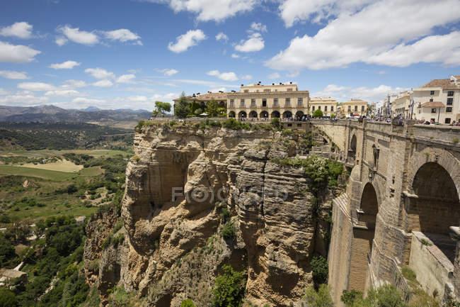 España, Andalucía, Ronda, Tajo de Ronda, El Puente Nuevo - foto de stock