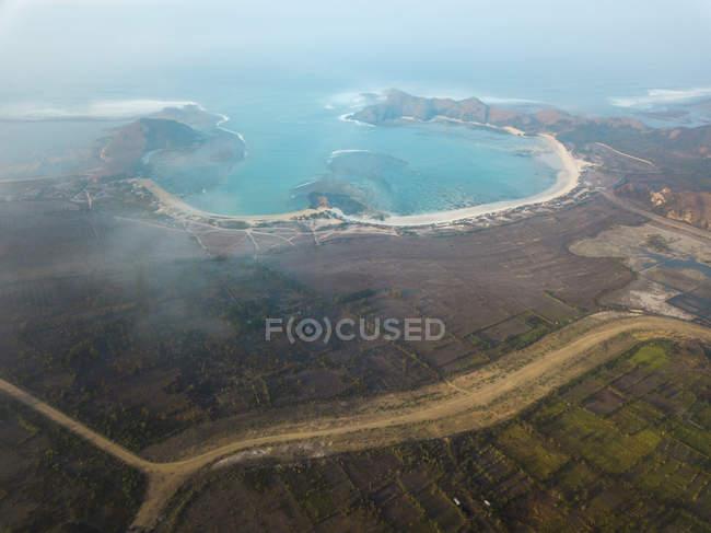 Indonésie, Lombok, Vue aérienne de la baie — Photo de stock