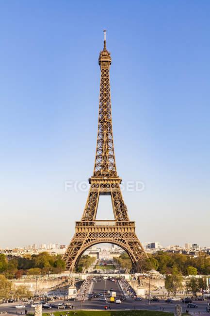 France, Paris, Eiffel Tower, Pont d'lena, Place de Varsovie — Stock Photo