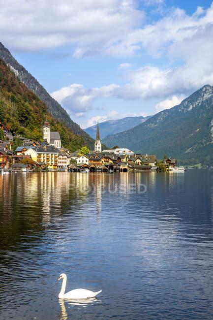 Austria, Salzkammergut, Hallstaetter See, Hallstadt - foto de stock