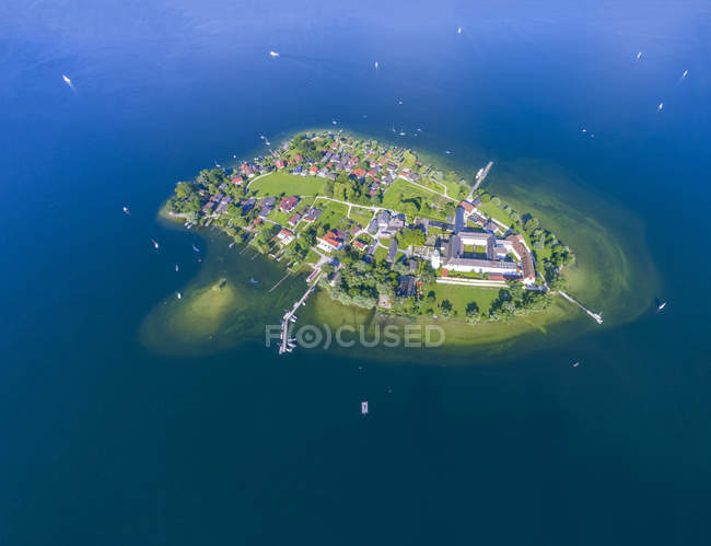 Germany, Bavaria, Chiemsee, Aerial view of Fraueninsel — Stock Photo