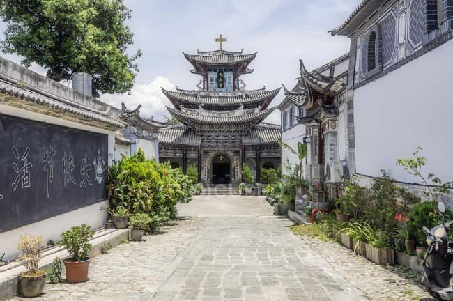 China, Yunnan, Dali, Torre de Wuhua durante o dia — Fotografia de Stock