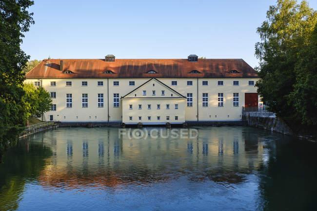 Allemagne, Munich, Sendling, Centrale hydroélectrique du canal Isar près de Flaucher — Photo de stock