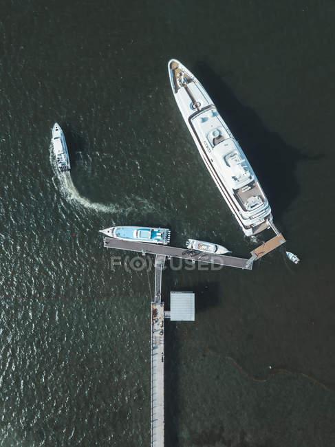 Індонезія, Балі, повітряна думка розкішних яхт — стокове фото
