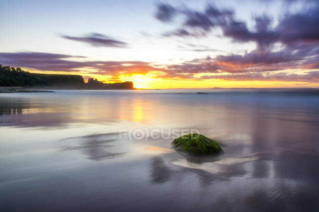 UK, Écosse, East Lothian, North Berwick, Firth of Forth, Tantallon Castle au coucher du soleil — Photo de stock