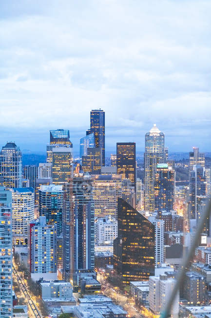 USA, Washington State, Seattle, Skyline, Downtown in the evening — Stock Photo