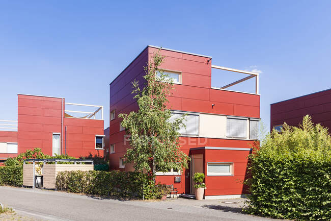 Germany, Karlsruhe, Modern cubical houses in Housing area Smiley West — Stock Photo