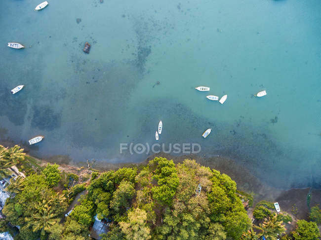 Mauritius, Riviere Noire, La Gaulette, Boats on the water, drone view — Fotografia de Stock