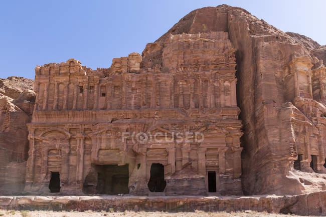 Jordania, Wadi Musa, Petra, Royal tombs, Palace grave — Stock Photo