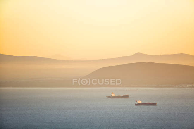 Africa, South Africa, Cape Town, shoreline, ships — Stock Photo