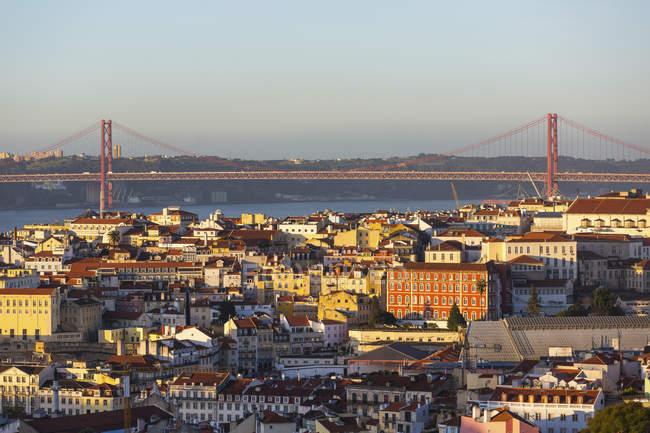 Portugal, Lisbon, cityview with 25 de Abril Bridge — Stock Photo