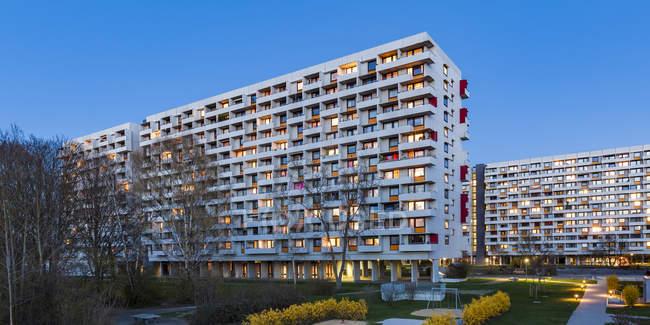 Germany, Stuttgart, Hallschlag, high-rise district at blue hour — Stock Photo