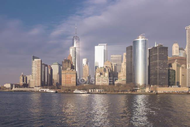 USA, New York, Manhattan, Skyline with One World Trade Center — Stock Photo