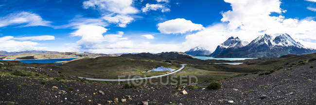 Chile, Patagonia, Torres del Paine National Park, Cerro Paine Grande and  Torres del Paine, Lago Nordenskjold — Stock Photo