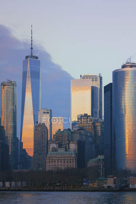 USA, New York, Manhattan, One World Trade Center al tramonto — Foto stock