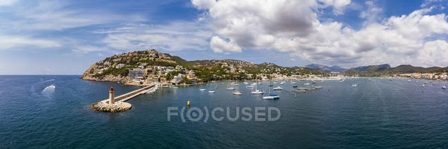 Spain, Balearic Islands, Mallorca, Andratx Region, Aerial view of Port d'Andratx, coast and natural harbour with lighthouse — Photo de stock