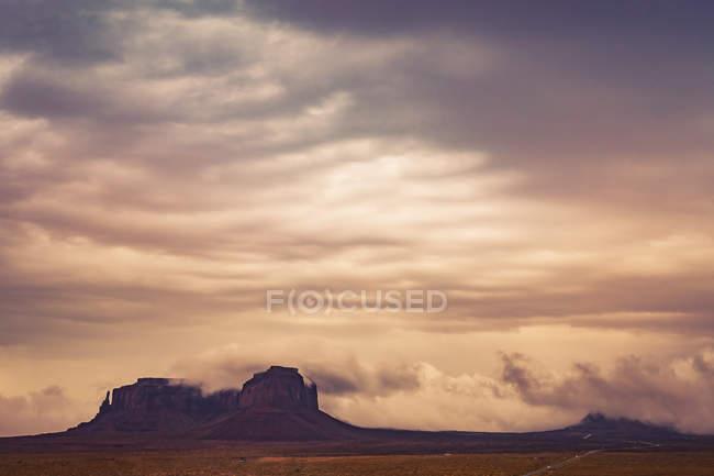 Мбаппе, США, Аризона, заповедник Навахо, Монументальная долина — стоковое фото