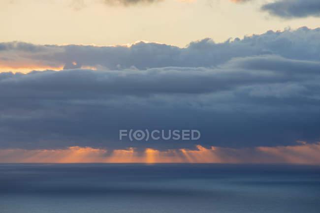 Wiedersehen, Westküste, Saint-leu, Sonnenuntergang über dem Meer — Stockfoto