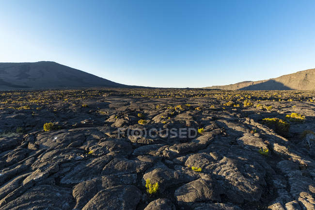 Reunion, Reunion National Park, Shield Volcano Piton de la Fournaise, Caldera Enclos Fouque and Rempart, lava field, AA lava over pahoehoe lava — Stock Photo