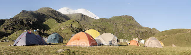 Rússia, Vale Superior de Baksan, Cáucaso, Campo Base do Monte Elbrus — Fotografia de Stock