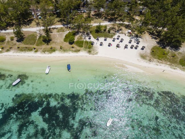 Maurice, Côte Est, Océan Indien, Vue aérienne de la plage Belle Mare — Photo de stock