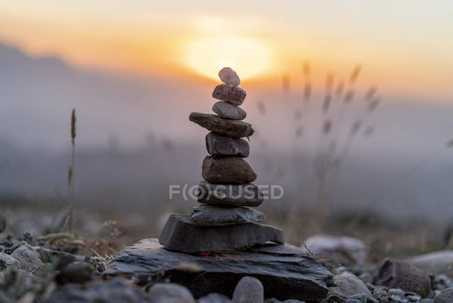 Close up of Cairn at sunset — стоковое фото