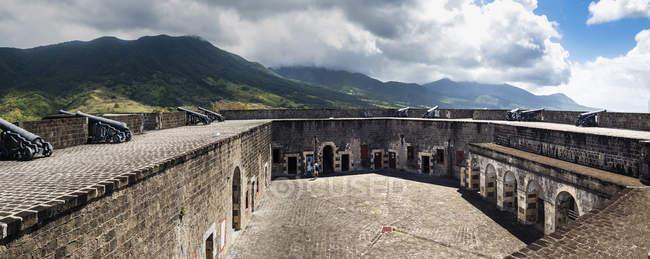 Caribbean, Lesser Antilles, Saint Kitts and Nevis, Basseterre, Brimstone Hill Fortress. - foto de stock