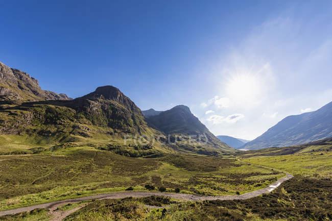 Great Britain, Scotland, Scottish Highlands, Glencoe, Glen Coe, The Pass of Glen Coe, Mountain massif Bidean Nam Bian — Stock Photo