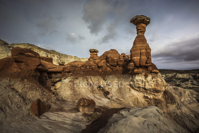 America, Arizona, Kanab, Pariia Rimrocks, Toadstool Hoodoos — Stock Photo